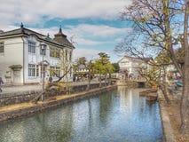 Шлюпка в старом канале Kurashiki, Okayama, Японии Стоковая Фотография
