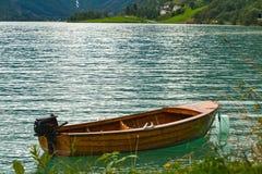 шлюпка деревянная Стоковое Фото