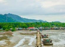 Шлюпка длинного хвоста на острове Libong стоковые изображения