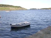 Шлюпка и море Стоковое Фото