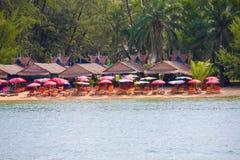 Шлюпка к Pos Koh изумительный пляж королевства Камбоджи интереса Стоковые Фотографии RF