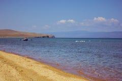 Шлюпка на большом озере Стоковые Изображения RF