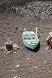 Шлюпка на пляже в Лансароте Стоковые Фотографии RF