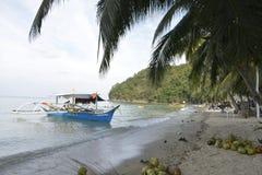 Шлюпка на пляже Boracay, Sta Мария, житель Запада Davao Стоковые Изображения RF