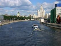Шлюпка на реке Стоковое Фото