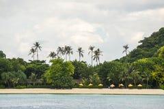 Шлюпка пикирования выходя Ao Tonsai, на Phi Дон Phi Koh Phi Phi Koh подныривания шлюпки Стоковое Изображение