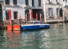Шлюпка полиции Венеции Стоковые Изображения