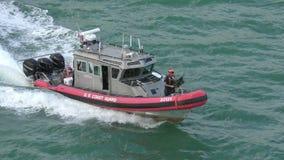 Шлюпка службы береговой охраны США видеоматериал