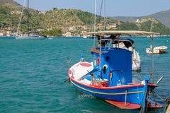 шлюпка удя греческое традиционное стоковое фото