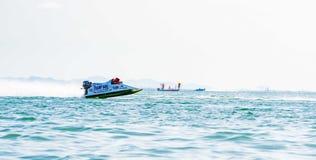 Шлюпка F5 в шлюпке 2017 силы Bangsaen на пляже Bangsaen в Таиланде Стоковое Изображение RF