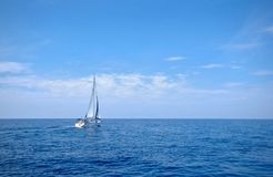 Шлюпка Sailing Стоковое Фото