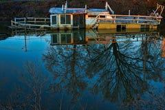 шлюпка sunken стоковые фотографии rf