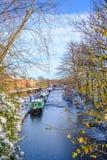 Шлюпки канала в замороженном канале Стоковое Изображение
