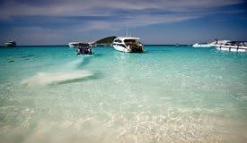 Шлюпки на острове Пхукета, similan острове Стоковые Фото
