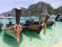 Шлюпки Таиланда на красивом море стоковое фото