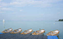 шлюпки balaton опорожняют озеро Стоковые Изображения RF