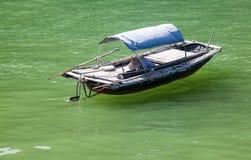 шлюпки traditonal въетнамские и плавая деревня около ба isl кота Стоковые Фото