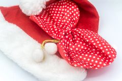 Шляпа на белой предпосылке, Санта Клаус Санта Клауса Стоковое фото RF