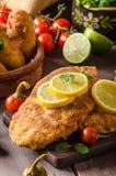 Шницель цыпленка с croquettes Стоковые Изображения