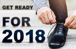 Шнурок связи бизнесмена, получает готовым для новой возможности в Ye 2018 Стоковое Изображение