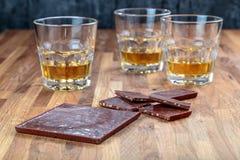 Шоколад и виски стоковые фотографии rf