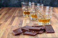 Шоколад и виски стоковое фото