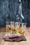 Шоколад и виски стоковое изображение
