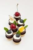 шоколад придает форму чашки mousse десерта Стоковое Изображение RF