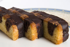шоколад торта покрыл ломтики стоковые фото
