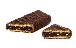 Шоколадный батончик с вареньем, медом и гайками стоковое изображение