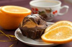 Шоколадный торт и апельсин Стоковое Фото