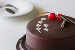 Шоколадный торт и вишня для влюбленности Стоковые Фото