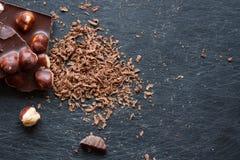 Шоколад при гайки заскрежетанные на терке Стоковое Изображение RF