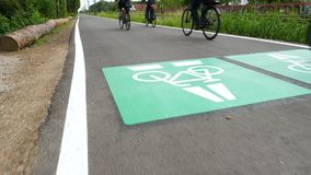 Шоссе велосипеда, маршрут Дармштадт цикла - Франкфурт, Германия сток-видео