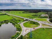 Шоссе дороги, взгляд сверху трутня воздушный стоковое фото