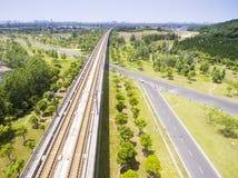 Шоссе и железные дороги стоковое изображение rf