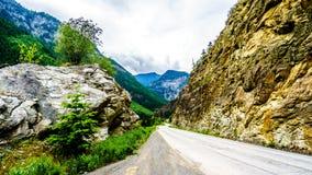 Шоссе 99, дорога в Британской Колумбии, Канада озера Duffy Стоковые Изображения RF