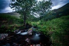 Шотландские водопад и утесы Стоковое Фото