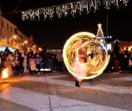 Шоу огня на улице стоковое фото rf