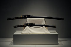 Шпаги самураев Katana японца длинные Стоковая Фотография