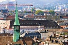 Шпиль Augustinian церков Цюрих Европы стоковые изображения rf