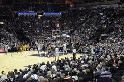 Шпоры против Cavs - игра NBA Стоковые Изображения