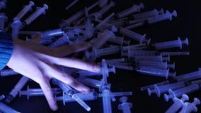 шприцы ложка жнеца мрачного героина фронта снадобья принципиальной схемы наркомании покрынная предпосылкой миниатюрная стоит бели акции видеоматериалы