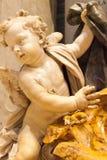 Шрифт и херувим в соборе XIX St Peter стоковые фотографии rf