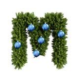 Шрифт письма m характера ABC алфавита рождества с шариком рождества Тип украшения прописных букв ветвей рождественской елки с бесплатная иллюстрация