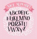 Шрифт serif сляба в историческом стиле на предпосылке brushstrokes Для названий и логотипов Стоковое Изображение