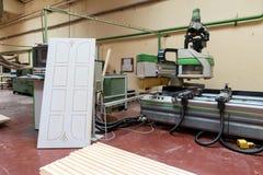 Штабелированная деревянная продукция тимберса сосны для обрабатывать, мебель стоковое изображение rf