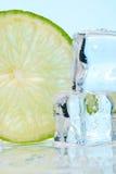 штабелированная известка льда кубиков Стоковая Фотография RF