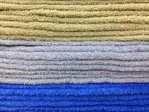 Штабелированная пушистая текстура полотенец Стоковое Фото