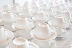 Штабелированный много белой кофейной чашки Стоковое Изображение RF